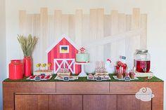 Inspirada no nosso Farm cake  surgiu esta festa, repleta de detalhes especiais que a tornaram uma as minhas favor...
