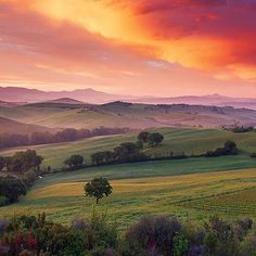 Sunset over Tuscany www.sognoitaliano.it
