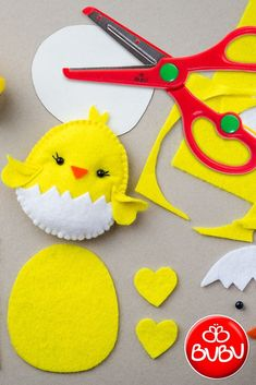 Easy DIY Felt Crafts, Felt Crafts Patterns and Felt Craft Tutorial Pdf. Easy Felt Crafts, Easter Crafts For Kids, Felt Diy, Crafts With Felt, Easter Decor, Felt Animal Patterns, Felt Crafts Patterns, Fabric Crafts, Easter Projects