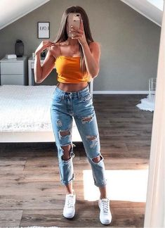 40 inspiring teenager outfits for this winter 11 Teenager Outfits, Teen Outfits, Mode Outfits, Latest Outfits, Casual College Outfits, Spring Outfits For Teen Girls, Spring Outfits For School, Trendy Outfits For Teens, First Day Of School Outfit