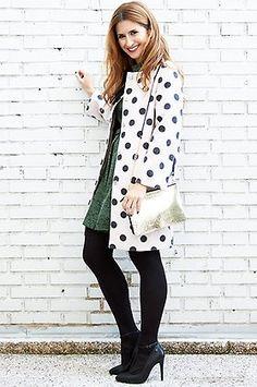 Look de ATrendyLife con vestido de @esamarillolimon, abrigo de Compañía Fantástica, bolso de Stella Rittwagen y zapatos @mtngmustang.