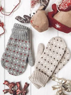Knitted Mittens Pattern, Fair Isle Knitting Patterns, Knit Mittens, Knitted Gloves, Crochet Pattern, Fair Isle Pattern, Knit Socks, Fair Isles, Knitting Projects