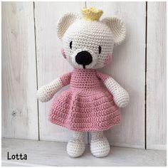 Galna i Garn: Björn-prinsessa Teddy Bear, Toys, Animals, Threading, Activity Toys, Animales, Animaux, Clearance Toys, Teddy Bears