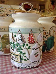 Decoupage Glass, Decoupage Vintage, Decoupage Art, Jam Jar Crafts, Wine Bottle Crafts, Bottle Painting, Bottle Art, Decoupage Suitcase, Diy And Crafts