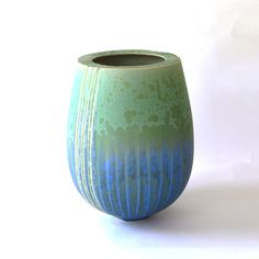 Porcelain bowl with matte crystalline glaze by Ted Secombe