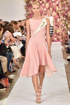 Oscar de la Renta Spring 2015 Ready-to-Wear Fashion Show - Devon Windsor