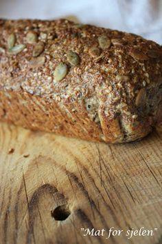 Mat for sjelen …: Lavt karbo grovt brød … – Oppskrifters Gluten Free Recipes, Bread Recipes, Low Carb Recipes, Healthy Recipes, Healthy Food, Our Daily Bread, Bread Rolls, Lchf, Bread Baking