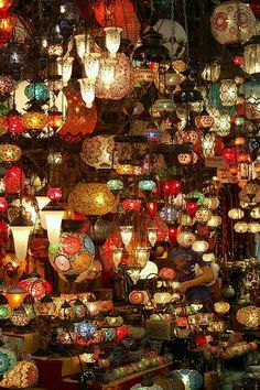 Bazzar 2 The lights at the front of the car // This is amazing! A Turkey Bazaar. I took a picture just like this in Seville, Spain! For a second I thought it was mine lol<br> Taken at the Grand Bazzar in Istanbul Nikon Beautiful World, Beautiful Places, Beautiful Lights, Amazing Places, Grand Bazaar, Belle Photo, The Places Youll Go, Scenery, Photos