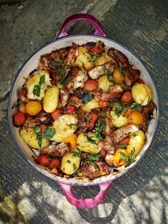 Crispy & sticky chicken thighs with squashed new potatoes & tomatoes, Food And Drinks, A brilliant one-pan recipe from Jamie Oliver. This recipe brings together chicken, potatoes, squash and cherry tomatoes in a delicious gluten-free rec. Sticky Chicken Thighs, Jamie Oliver Chicken, Harissa Chicken, Perfect Roast Chicken, Best Chicken Recipes, Chicken Tray Bake Recipes, Crispy Chicken, Cooking Recipes, Cooking Fish