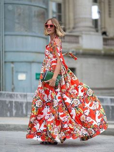 The best street style snaps from the streets of Paris during Couture Fall Fashion Week. Couture Week, Style Couture, Couture Fashion, Chanel Couture, Fashion Moda, Love Fashion, Womens Fashion, Fashion Trends, Paris Fashion