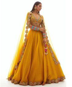 Indian Bridal Lehenga, Indian Bridal Outfits, Indian Fashion Dresses, Indian Designer Outfits, Designer Dresses, Wedding Outfits, Wedding Wear, Wedding Reception, Wedding Dress