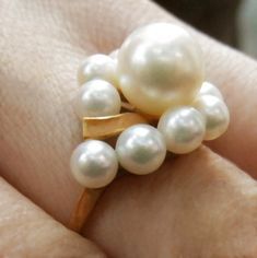 14k or Jaune 4-4.5 mm AAA Round White Freshwater Cultured Pearl Clous d/'oreilles