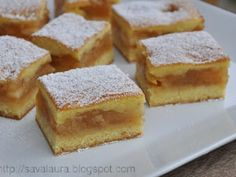 Prajitura turnata cu mere, poza 1 No Cook Desserts, Sweets Recipes, Cake Recipes, Cooking Recipes, Romanian Desserts, Romanian Food, Good Food, Yummy Food, Pastry Cake