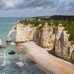 Les falaises d'Etretat et la baie du Mont-Saint-Michel parmi les plus beaux sites français!  http://www.momondo.fr/inspiration/plus-beaux-sites-naturels-france/#yxQRu2LmQzwEh3iH.97pic.twitter.com/HgSIAtIMcd