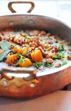 . eksotisk suppe som hovedret Med faldende temperaturer, rusk og regn er det blevet tid til at nyde lækre, duftende, dampende supper. Her er forslag til en suppe, der kan spises som hovedret, gerne…