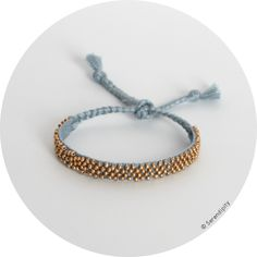 bracelet lien de passementerie tiss� et rebrod� � la main, vendu au profit de l'Association Samajhana