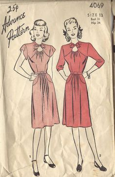 "1940s Vintage Sewing Pattern DRESS (Bust:31"") (R134)"