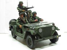 "21st Century M151 MUTT w/ Trailer & 4 GI Joe 12"" Military Action Figures"