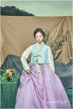 남산을 배경으로 펼쳐진 3인 3색의 아름다운 전통한복 2