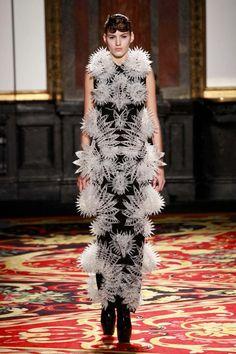 Iris Van Herpen   Fashion Collides With Technology trend forecasts Architectural fashion