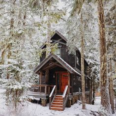 15 Airbnb Cabins to Rent This Winter #theeverygirl