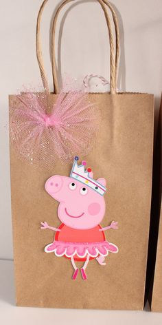 Peppa Pig Party Favor Bags by CelebrationGoods on Etsy Place a birthday party that is 3rd Birthday Parties, Birthday Party Decorations, Aniversario Peppa Pig, Cumple Peppa Pig, Pig Party, Party Favor Bags, Picnic Recipes, Picnic Ideas, Picnic Foods