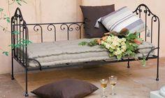 banquette bacchus ancien lit en fer forg gris fonc avec matelas et 5 coussins banquettes. Black Bedroom Furniture Sets. Home Design Ideas