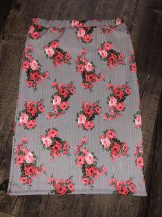 7871105b2309 Floral stripe pencil skirt. #pencilskirt #modestskirts #shannasthreads  Modest Skirts, Modest Outfits