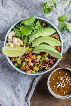 This Vegan Buddha Bowl with Spicy Peanut Dressing is a sure fire way to fill your belly with a mass of healthy nutrients and have a great tasting lunch too. Vegetarian Recipes, Healthy Recipes, Frugal Recipes, Savoury Recipes, Vegan Meals, Healthy Meals, Delicious Recipes, Crockpot Recipes, Campfire Cooking Recipes