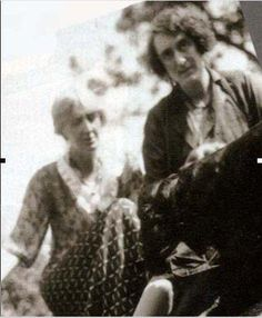 Virginia Woolf and Vita Sackville-West.