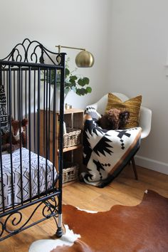 Today we are taking a look at the southwest inspired nursery of Morgan Ford, of White Farmhouse. You will love her innovative use of a small…