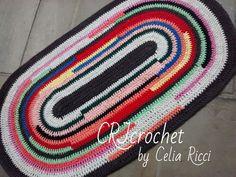 Tapete Oval de crochet colorido