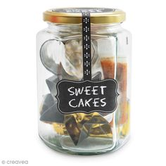 Compra nuestros productos a precios mini Kit Déco Biscuits - Sweet cakes - Sacabocados inox - Entrega rápida, gratuita a partir de 89 € ! Sweet Cakes, Food, Manualidades, Star Shape, Glass Canisters, First Year, Lolly Cake, Meals