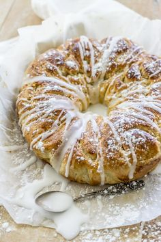 Täydellinen tarjottava kahvi- tai teehetkeen. A Food, Good Food, Food And Drink, Pulla Recipe, Finnish Recipes, Sweet Buns, Savory Pastry, Bread Bun, Bun Recipe
