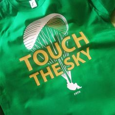 Touch the sky  #paralotniarstwo #paragliding #paraglider #paragliders #freefly #sky #touchthesky #ibeliveicanfly #parachute #parachutes #parachuting #freshthingpl #tshirt #tshirts #fashion #clothing #print #shop