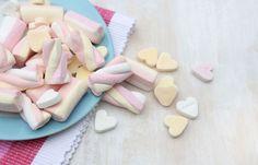 Zuckerersatz: Die Wahrheit über Stevia & Co.  ... Wie auch immer, am besten ist es immer noch so wenig wie möglich Süßes zu sich zu nehmen, Süß sollte die Ausnahme bei der Ernährung sein. *** Wie oft gibt es bei euch pro Tag Süßes? Ehrlich?