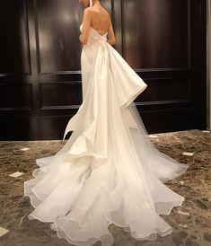 Layered Wedding Dresses, Wedding Dress Backs, Designer Wedding Dresses, One Shoulder Wedding Dress, Unique Dresses, Pretty Dresses, Beautiful Dresses, Bridal Outfits, Bridal Gowns