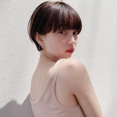 27 Angled Bob Hairstyles Trending Right Right Now for 2019 - Style My Hairs Short Bobs With Bangs, Bob With Bangs, Short Hair Cuts, Short Hair Styles, Bob Hairstyles For Thick, Hairstyles With Bangs, Lob Haircut, Girl Short Hair, Hair Designs