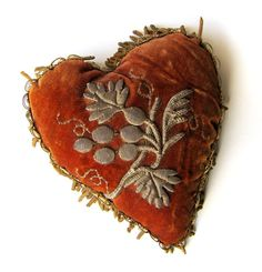 Rustic Romance Heart Pincushion Tiny Pillow Antique Velvet With Tarnished Gold Bullion Embroidery And Fringe Brocade Back Bullion Embroidery, Embroidery Hearts, Crazy Quilting, Small Heart, I Love Heart, Heart Pics, Belle Epoque, Fabric Hearts, Vintage Valentines