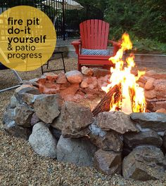 firepit DIY 2019 Grab the marshmallows and enjoy the great outdoors! It's time to make your own fire pit using this design idea from Greco Design Company The post firepit DIY 2019 appeared first on Patio Diy. Fire Pit Wall, Fire Pit Ring, Metal Fire Pit, Concrete Fire Pits, Fire Pit Decor, Fire Pit Uses, Fire Pit With Rocks, Easy Fire Pit, Cheap Fire Pit Diy
