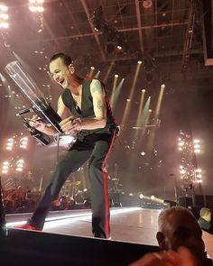 2,491 отметок «Нравится», 17 комментариев — depe (@depmodecom) в Instagram: «#DepecheMode #DaveGahan 'Global Spirit Tour' http://www.depmode.com @depmodecom»