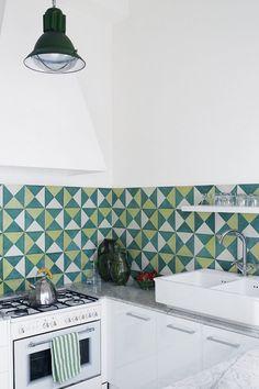 Beyond Tile: 25 Truly Beautiful Kitchen Backsplashes Via Brit + Co Küchen  Inspiration, Fliesen