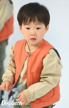 #Songtriplets #daehan Song Il Gook, Triplet Babies, Superman Kids, Song Triplets, Song Daehan, Korean Babies, Cute Faces, Baby Pictures, Kids And Parenting