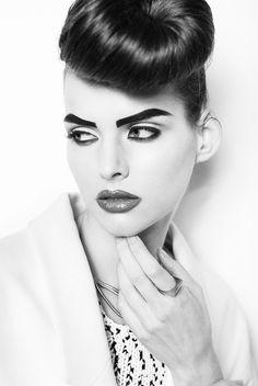 #elainabadromakeup #elaina #badro #makeup #highfashion #blackandwhite #photography #thickbrows #full #eyebrows #bottom #black #eyeliner