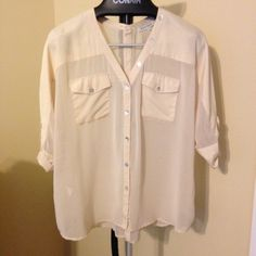 Black Rainn Ivory Blouse * Great condition * Pre-loved * No trades * Accept reasonable offers * Discount on bundles * Comes from a smoke free home Black Rainn Tops Blouses