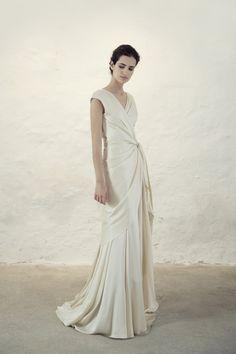 Ogni anno aspetto con impazienza le nuove collezioni di alcuni brand di  abiti da sposa be6a80b291d