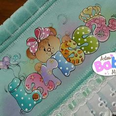 Pintura by Prika Reis Artesanato. Tole Painting, Fabric Painting, Paper Art, Paper Crafts, Rose Art, Baby Art, Nursery Art, Kids And Parenting, New Art
