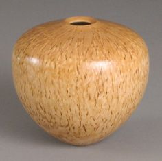 Uden Woodturning :: Hollow Forms :: Masur birch hollow form