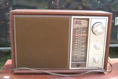 Collectible Realistic Radio AM FM Electric Retro Vintage