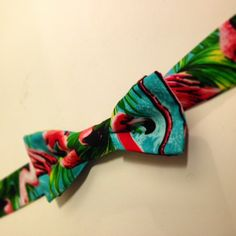 Tropical Flamingo Bowtie / Dickie Bow Dapper by NellieClementine Best Part Of Me, Kitsch, Dapper, Flamingo, Tropical, Bows, Trending Outfits, Unique Jewelry, Handmade Gifts